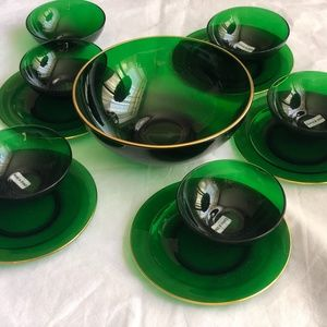 Vintage unused green glass bows plates